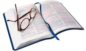 Book-and-reading-glasses-007