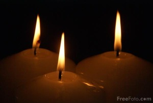 90_20_15---Three-Advent-Candles_web